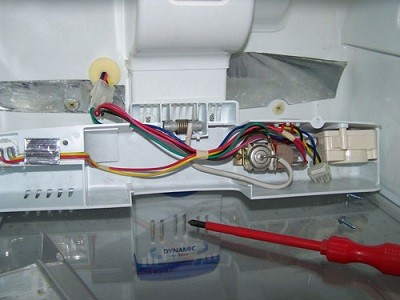 Виды распространенных неисправностей холодильников Атлант