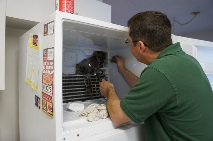Замена испарителя в холодильнике